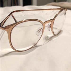 Urban Outfitters: Rose Gold Readers